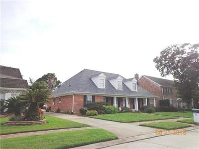 Kenner Single Family Home For Sale: 19 Chateau Rothchild Drive