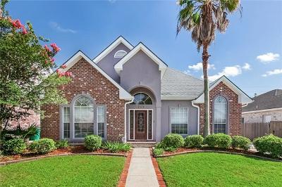 Single Family Home For Sale: 209 Moss Bayou Lane
