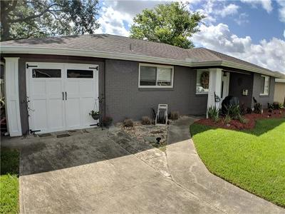 Harvey Single Family Home For Sale: 709 Fos Avenue