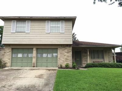 Single Family Home Pending Continue to Show: 2221 Saint Nick Drive