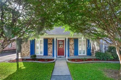 Metairie Single Family Home For Sale: 1421 N Cumberland Street