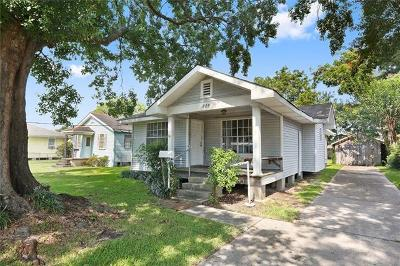 Metairie Single Family Home For Sale: 825 Phosphor Avenue