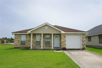 Westwego Single Family Home Pending Continue to Show: 9024 N Chante Court
