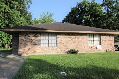 Destrehan, St. Rose Multi Family Home Pending Continue to Show: 331 Meadows Drive