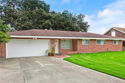 Gretna Single Family Home For Sale: 79 Marie Drive