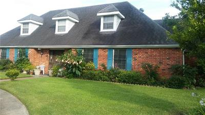 Single Family Home For Sale: 7810 Lake Forest Boulevard