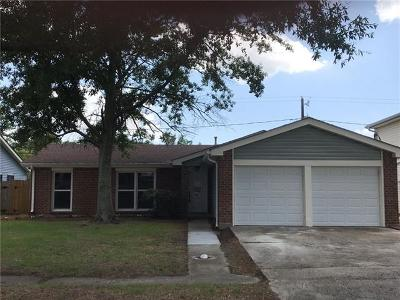 Jefferson Parish Single Family Home Pending Continue to Show: 2952 Keith Way Drive