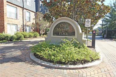 Jefferson Parish, Orleans Parish Condo Pending Continue to Show: 2511 Metairie Lawn #205