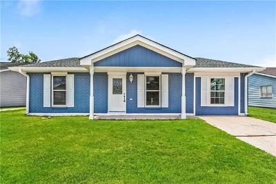 Single Family Home Pending Continue to Show: 2516 Cascade Drive