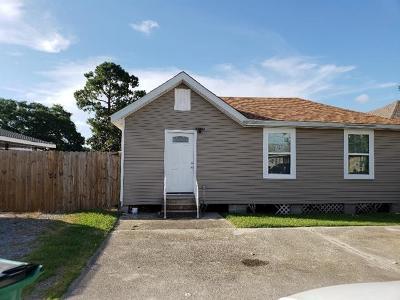 Single Family Home For Sale: 5224 Oak Drive