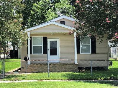 River Ridge, Harahan Single Family Home Pending Continue to Show: 737 Oak Avenue