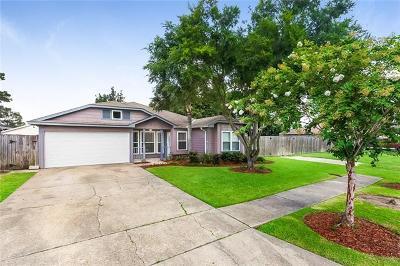 Single Family Home Pending Continue to Show: 516 Azalea Drive