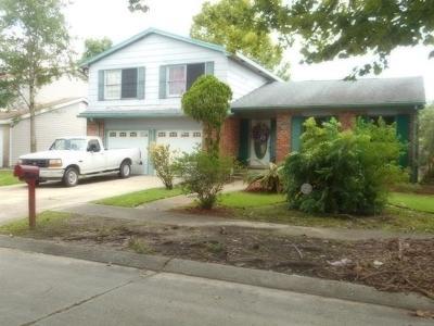 Single Family Home For Sale: 2717 W Catawba Drive