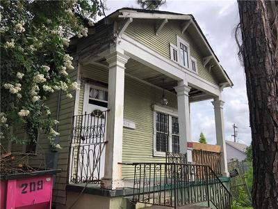 New Orleans Multi Family Home For Sale: 819 N Robertson Street