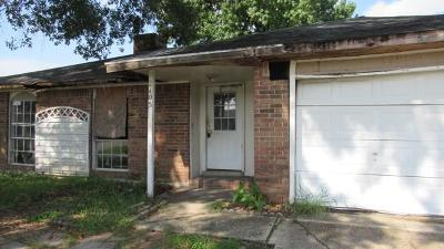Jefferson Parish Single Family Home For Sale: 2405 W Sunny Meade Drive