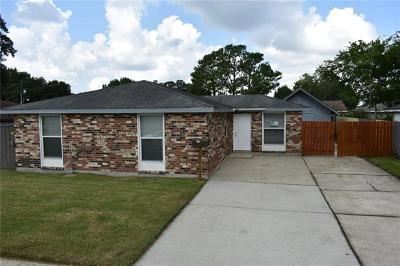 Gretna Single Family Home For Sale: 712 Willowbrook Drive