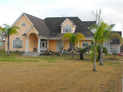 Marrero Single Family Home For Sale: 7677 Barataria Boulevard