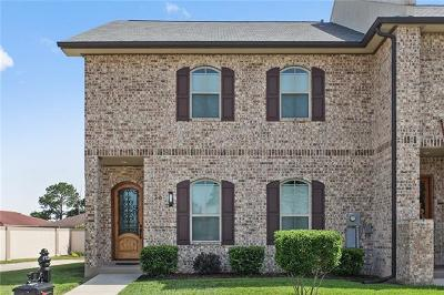 Kenner Townhouse Pending Continue to Show: 26 Napa Lane