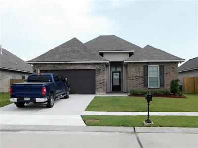 Marrero Single Family Home Pending Continue to Show: 2609 Watergate Way