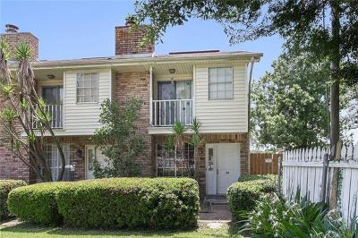 Destrehan, St. Rose Townhouse Pending Continue to Show: 2 Houmas Place #A