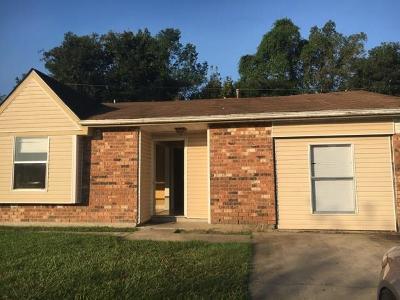 Destrehan, St. Rose Single Family Home For Sale: 643 Turtle Creek Lane