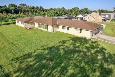Single Family Home Pending Continue to Show: 3285 Potomac Street