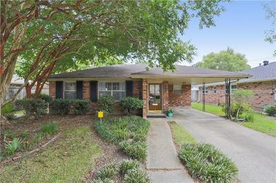 Single Family Home For Sale: 605 Ridgeway Drive