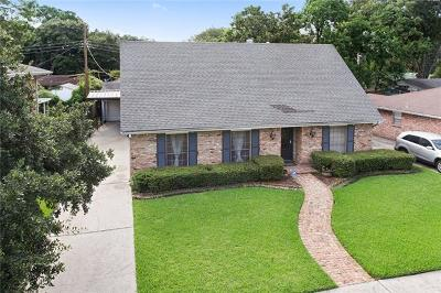 Single Family Home Pending Continue to Show: 1556 Holiday Place