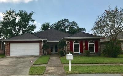 Harvey Single Family Home For Sale: 2101 Hampton Drive