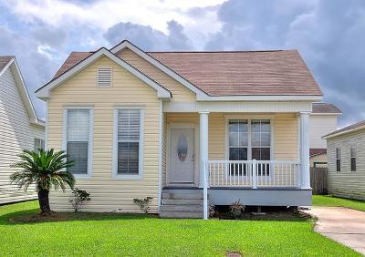 Gretna Single Family Home Pending Continue to Show: 727 Bellemeade Boulevard