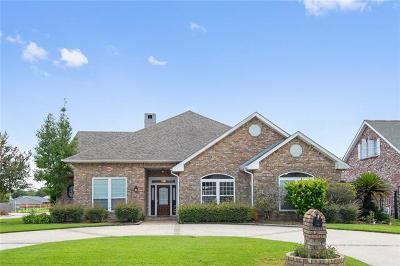 Single Family Home For Sale: 36 Seven Oaks Road