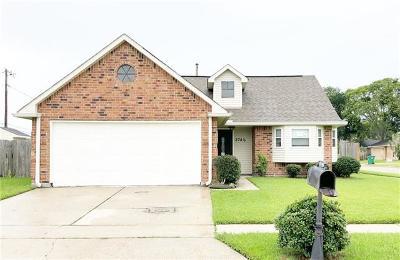 Marrero Single Family Home Pending Continue to Show: 2740 Hardwood Drive