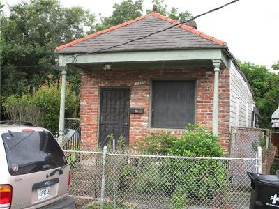 Single Family Home For Sale: 8920 Birch Street