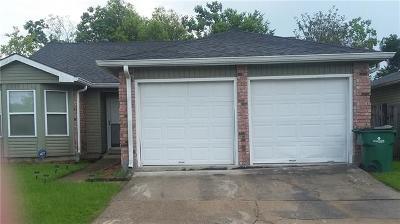 Gretna Single Family Home For Sale: 917 E Kingsway Drive