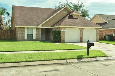 Marrero Single Family Home Pending Continue to Show: 2504 Long Branch Drive
