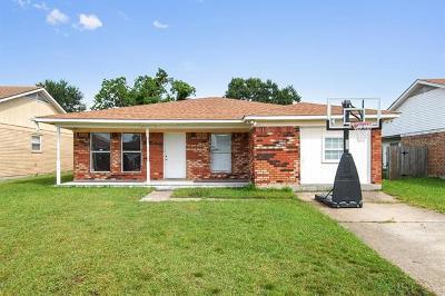 Gretna Single Family Home For Sale: 2709 Fairfield Drive