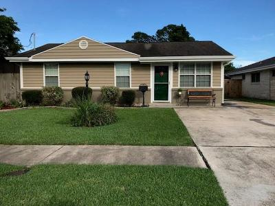 Metairie Single Family Home Pending Continue to Show: 1117 Trudeau Drive