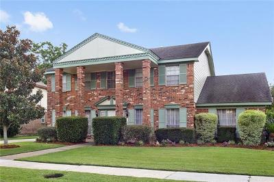 Single Family Home Pending Continue to Show: 34 Grand Canyon Drive