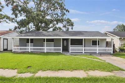 Westwego Single Family Home For Sale: 452 Helis Drive