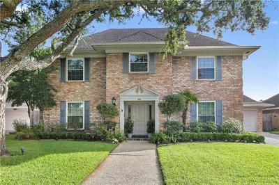 Kenner Single Family Home For Sale: 30 Chateau Rothchild Drive