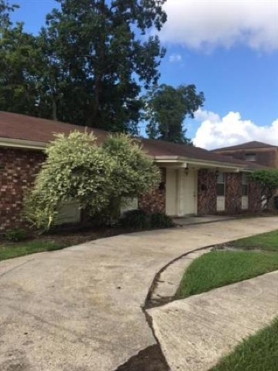 Metairie Multi Family Home Pending Continue to Show: 3704 S West Metairie Avenue