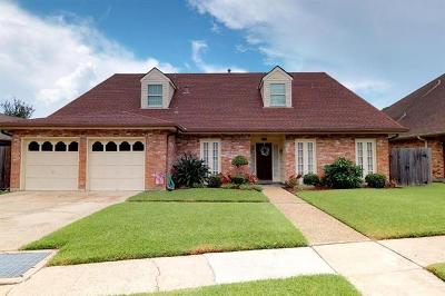 River Ridge, Harahan Single Family Home For Sale: 7401 Stoneleigh Drive