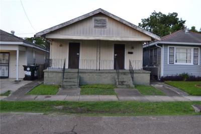 New Orleans Multi Family Home For Sale: 8817 Oleander Street