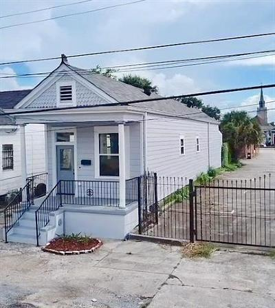 New Orleans Single Family Home For Sale: 1916 Governor Nicholls Street