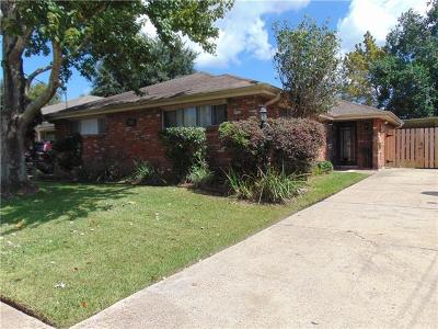 Metairie Single Family Home For Sale: 823 E William David Parkway