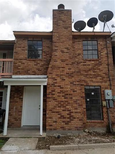 Townhouse Pending Continue to Show: 1537 Kings Road