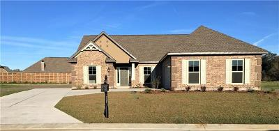 Single Family Home Pending Continue to Show: 2652 Acadiana Trace