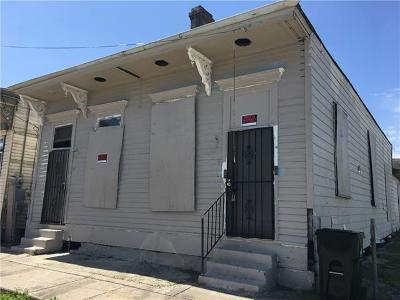Single Family Home Pending Continue to Show: 2724 First Street