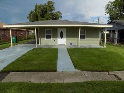 Harvey Single Family Home For Sale: 1935 Esther Street