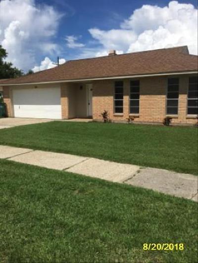 Jefferson Parish Single Family Home For Sale: 4932 White Oak Drive